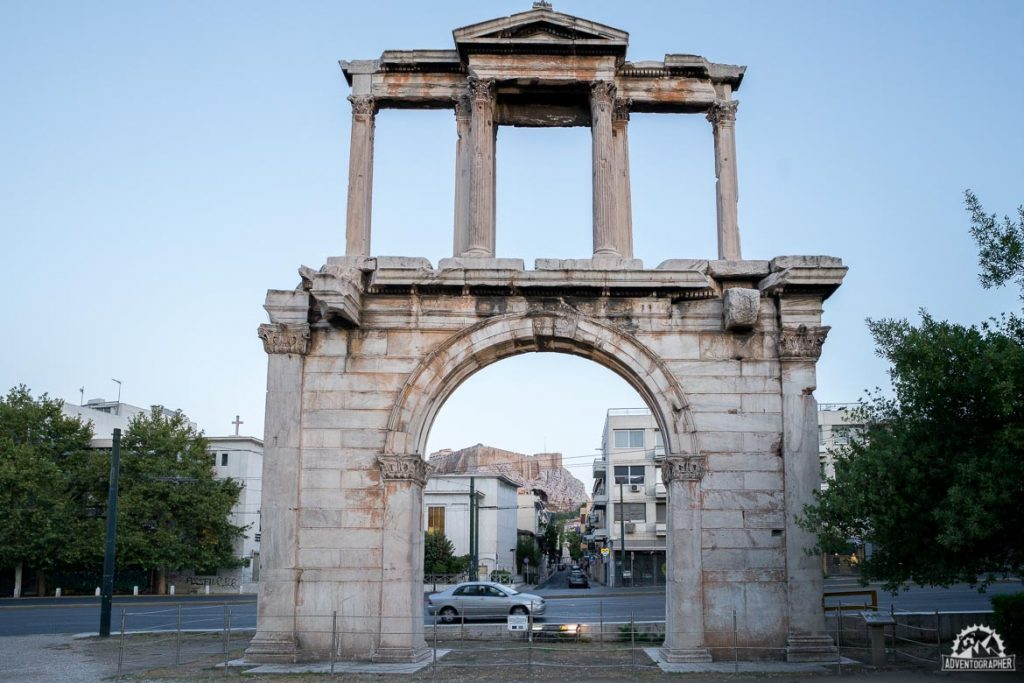 seeing hadrian's arch is one of the things to do in athens