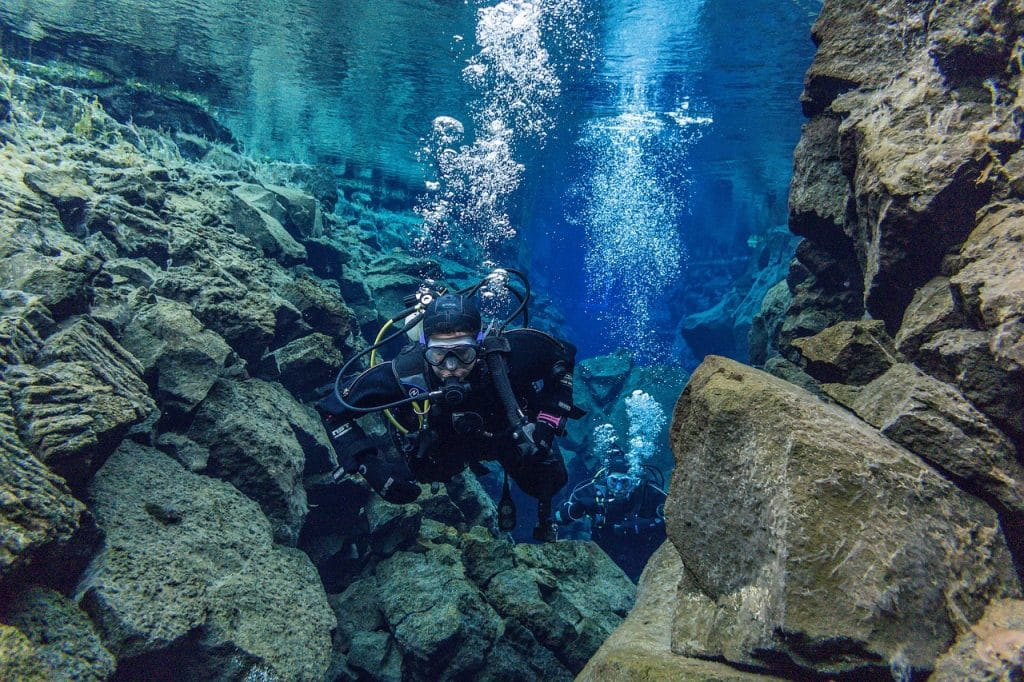 scuba diving in iceland at the silfra fissure