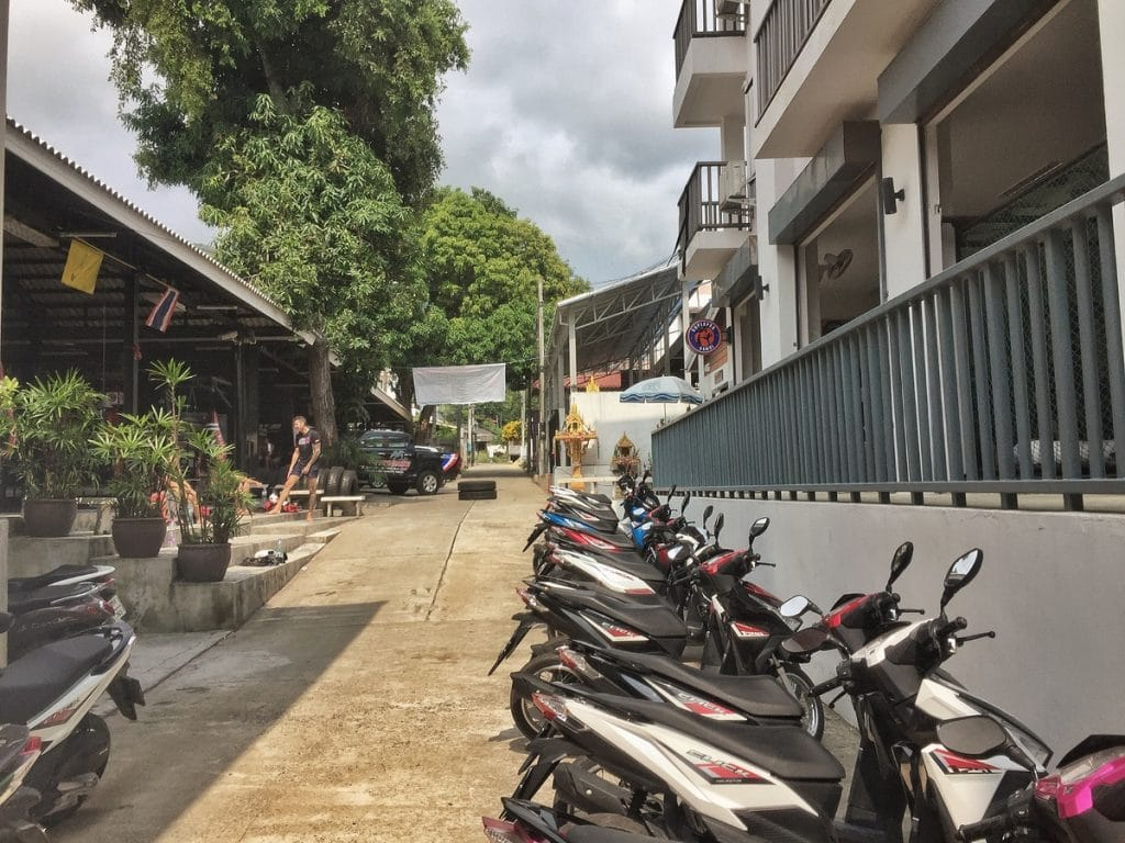 Renting a scooter is another of the things to do in koh samui