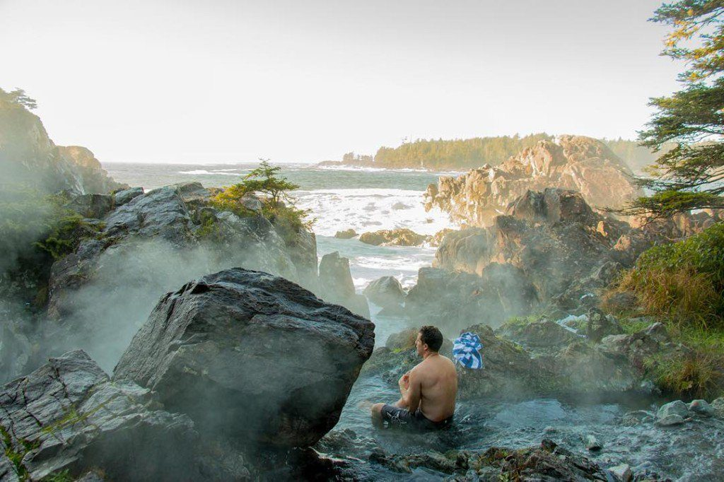 things to do in tofino hot springs cove