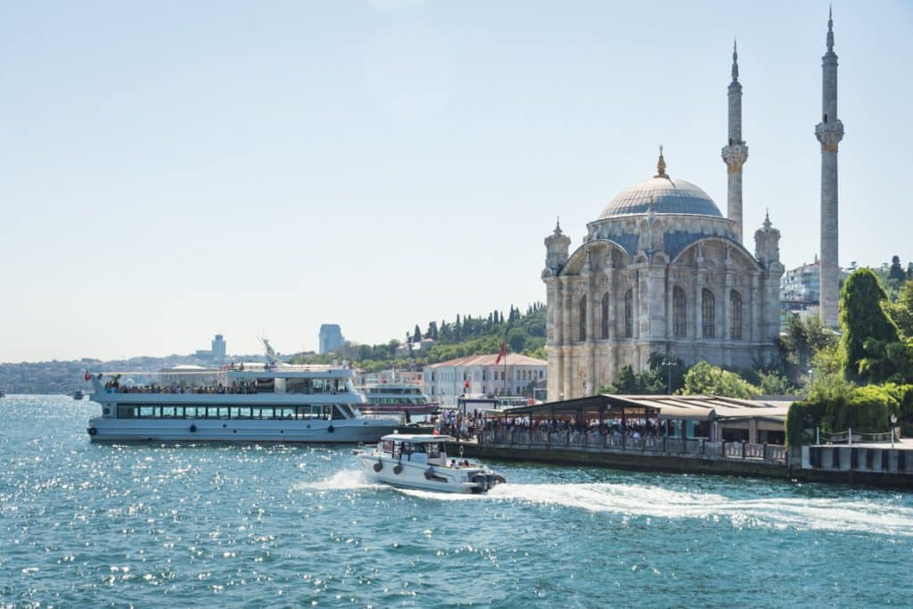 places to see in Istanbul bosporus cruise