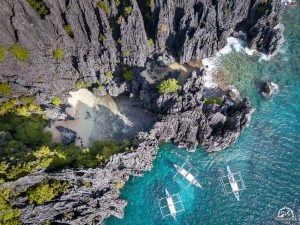 Island Hopping in the Philippines at Secret Beach!